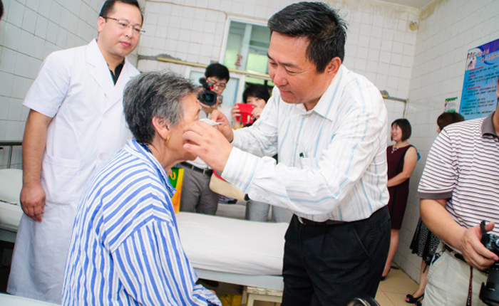Donating to underprivileged cataract patients
